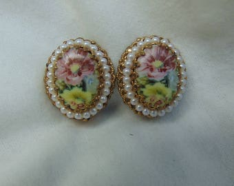 Earrings, clip on, imitation pearls, Pansies, foliage, W. Germany