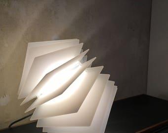Leuchte Aus Acrylglas Weisse Lampe Design Knallige Farbige