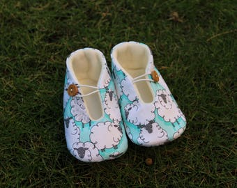 Shoes of baby sheep-various sizes