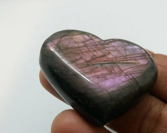 Labradorite purplish 38,89 Gr-heart