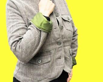 Fitted Tweed Jacket/Blazer - Size Medium 100% wool