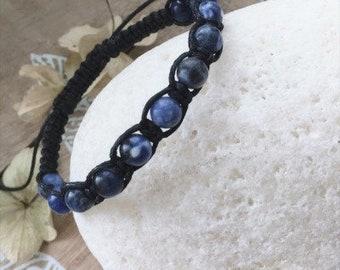 macramé braided bracelet with sodalite beads