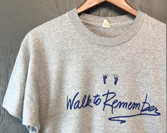 L * Vintage 80s Walk To Remember screen stars t shirt