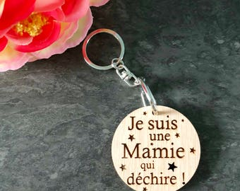 "Keyring ""I'm a grandma who rocks!""  and its attachment - mother wooden - great gift - personalized keychain"