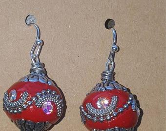 Her majesty's bojo earrings