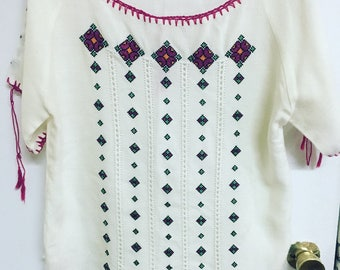Vintage embroidered knit top