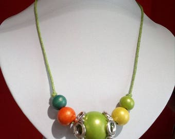 WOOD SHELL NECKLACE
