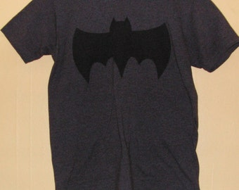 90s BATMAN  T-Shirt Adults size Medium official product   comic con collection Vintage tee