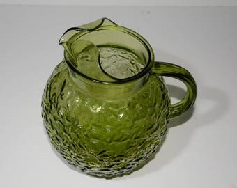 Anchor Hocking Pebble Crinkle Glass Pitcher in Avocado Green 1970s, Vintage, Olive Green, Glass Pitcher, Textured, Ice Tea, Mid-Century
