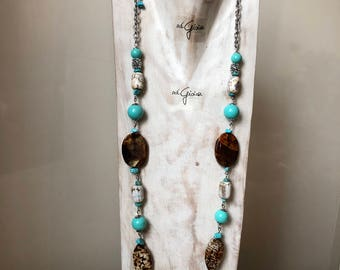 Necklace in turquoise and agate of fire