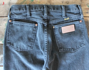 Vintage 80's Wranglers perfectly broken in Size 28x36 MADE IN USA