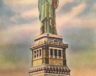 Vintage Postcard Statue of Liberty Mint Linen 1940's New York Harbor Postcard