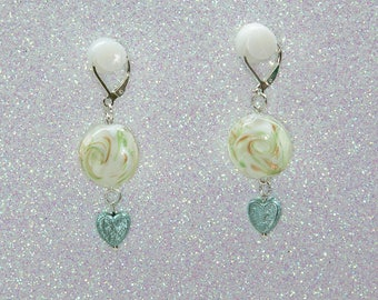 Earrings/marbled glass bead with pearl