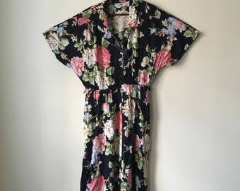 Black Floral Button-up Dress with Pockets (UK14/16ish)