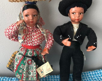 Dolls from Portugal - Guy and Girl in folk costume