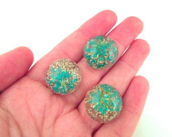 Two 20mm Queen Anne's Lace Flower Cabochons, Resin Cabochons H515