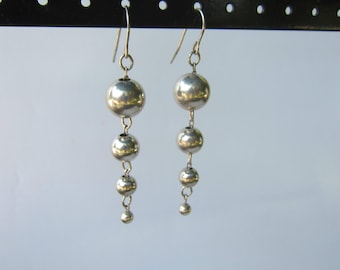 Vintage Sterling Silver Graduated Ball Bead Dangle Earrings   1630