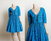 Vintage 1950s Dress - Blue Paisley Mushroom Print Corset Lace Up Bodice Front Full Skirt Cotton Day Dress - Pinup Style - Medium
