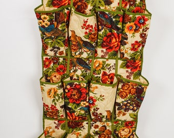 Vintage 50s - 60s Hanging Shoe Organizer Quilted Fabric