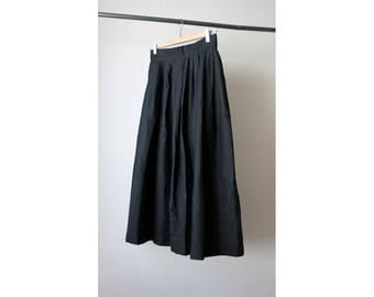 1990s High Waist Black Pleated Skirt