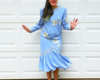 1920s Style Light Blue Flapper Dress with Pearl and Sequin Beading Long Sleeves Mermaid Skirt Periwinkle Drop Waist Dress Size Medium