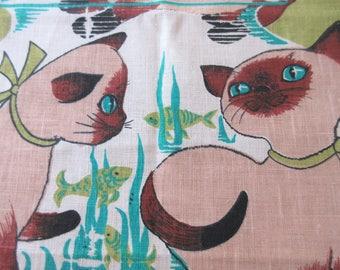 Vintage Tea Towel, Siamese Cats Towel, 1970 Calendar Towel, Linen Tea Towel, Kittens Tea Towel, Vintage Kitchen Towel, Linen Kitchen Towel