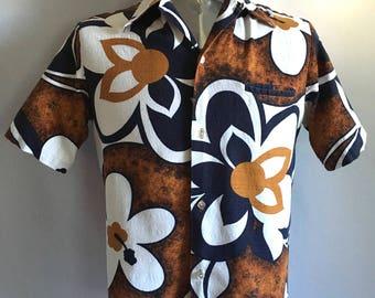 Vintage Men's 60's Hawaiian Shirt, Floral, Short Sleeve, Button Down (S/M)
