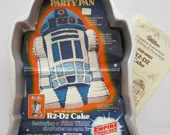 Vintage 1980 Wilton STAR WARS R2-D2 Cake Pan 502-1425 Party Pan with Color Photo and Instruction Book