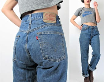 Levis 501 Jeans Vintage High Waisted Jeans Womens Boyfriend Jeans Relaxed Tapered Leg Faded Denim 90s Grunge Mom Jeans 28 Inches (M) E7009