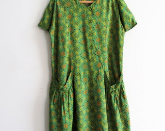 Vintage Indonesian Batik Green Floral Print Dress