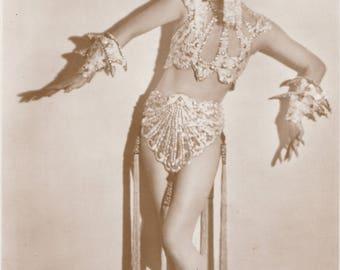 Anna May Wong, Hollywood Movie Star by Ross Verlag, circa 1929/30