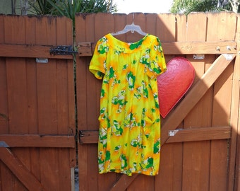 VINTAGE 1960's Hawaiian Floral Print Shift Dress - available