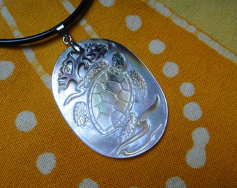 Carved Mother of Pearl Sea Turtle Pendant Tribal Pattern Necklace Honu