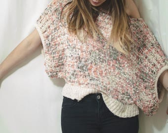 beautiful unique textured top, small