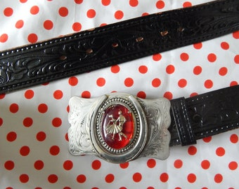 Vintage 60's 70's dancing couple red lucite medallion horseshoe silver tone belt buckle black tooled carved leather swing rockabilly 34