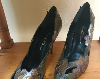 Vintage 1980s BEVERLY FELDMAN green & gold floral leather high heels, size 9