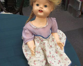 vintage cry baby doll eyes open and close and cries when turned over