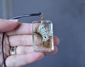 Pressed Flower Necklace, Lichen Necklace, Lichen Jewelry Moss Necklace, Resin Necklace, Plant Necklace, Christmas Gift Girls, Nature Jewelry