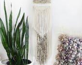 Boho Yarn Wall Hanging Macrame Woven Weaving / Bohemian Shabby-Chic Tree Branch Tapestry / Nursery Yarn Decor Wall Hippie Wool Hanging