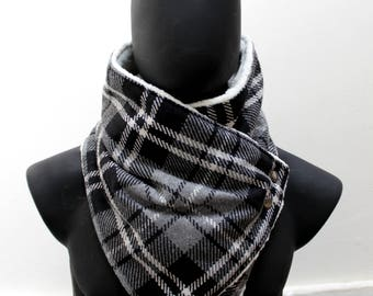 Blanket scarf. Mens cowl scarf. Plaid cotton blend,grey and black, faux lamb fur. Metallic snaps,Mens winter. Husband gift.