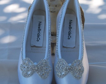 Size 12 Flower girls Crystals Bows Satin crystal edging Flats Ready to ship, Girls White Slippers, Closed Toe Shoes, Pageant, Performance