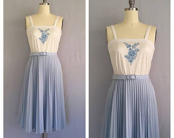 Willow dress | 1970s pleated dress | 70s blue and white day dress | s - m