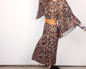Gorgeous 1960's Vintage Retro Bell Sleeve Floral Maxi Prairie Peasant Retro Dress // Women's size Small S Medium M