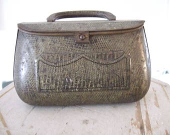 Antique Huntley & Palmers Biscuit Tin. Satchel. early 1900's . Collectibles. Advertising.