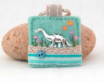 dinosaur keyring, Brachiosaurus key ring, Brontosaurus keychain, dino gifts, Jurassic gift ideas, paleontologist gift, pretty dinosaur gifts