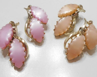 Vintage Gold Tone, Pink & Beige Thermoset Clip Earrings (999) Two Pairs