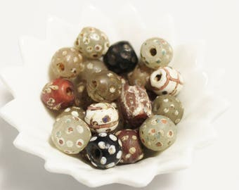 Old Collectible Venetian Skunk Beads, African Trade Beads, Jewelry Supplies (AM59)