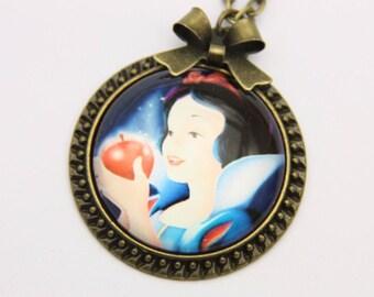 Snow white Necklace, 2525C