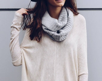 V-Neck Sweater in Beige Sparkle