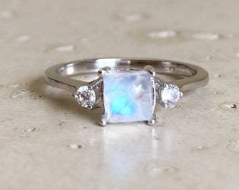 Small Moonstone Promise Ring- Rainbow Moonstone Anniversary Ring- Princess Cut Moonstone Ring- June Birthstone Ring- Square Solitaire Ring